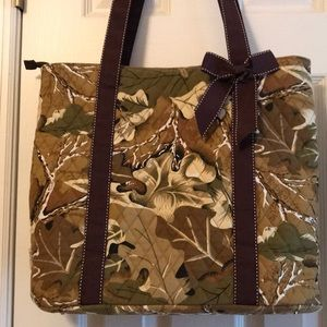 🤗 awesome camouflage tote